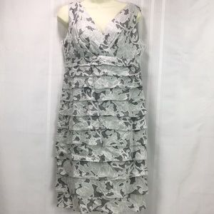 Dressbarn SZ 8 Sleeveless Knee Length Dress NWOT